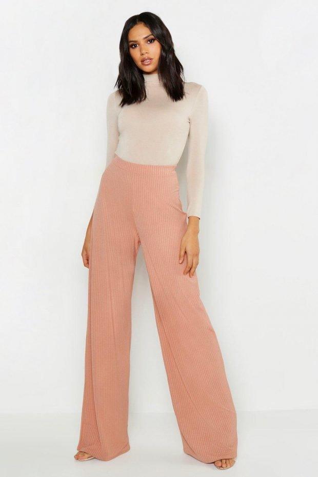 Женские брюки осень зима 2019 2020: персиковые широкие