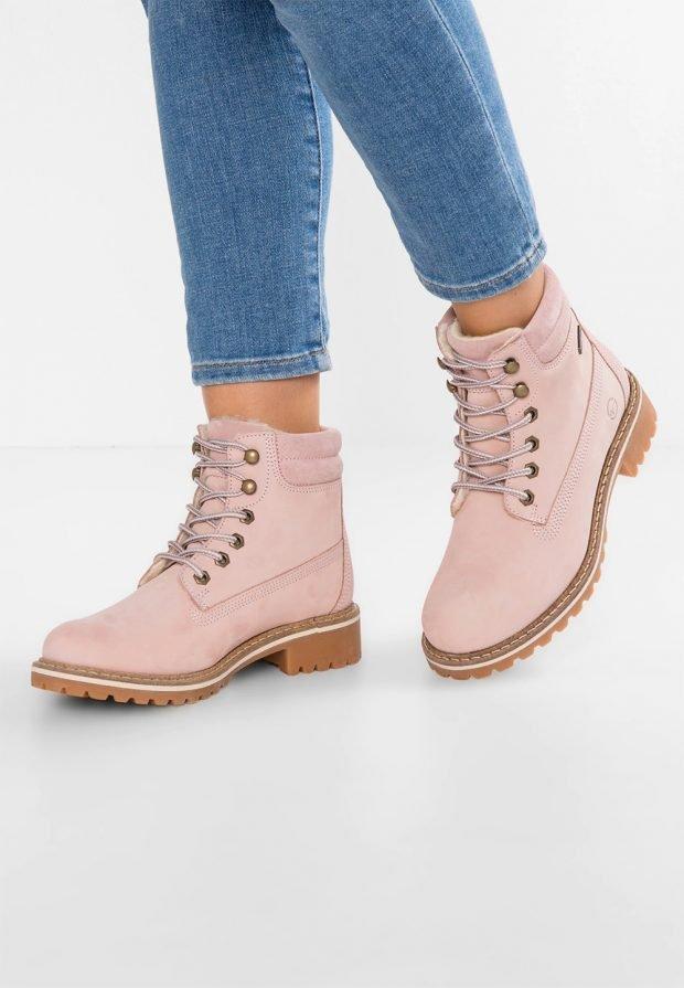 розовые зимние ботинки на шнурках