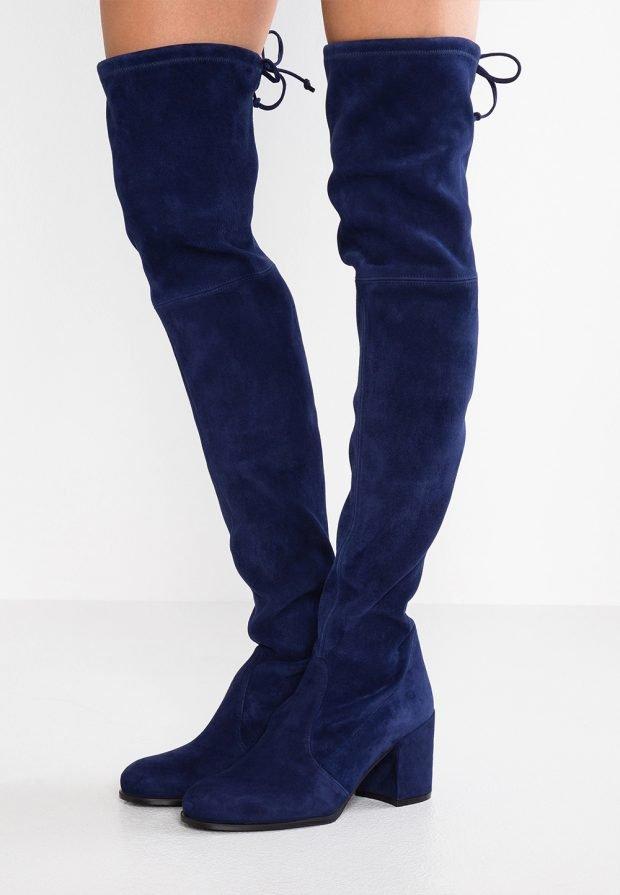 ярко-синие зимние ботфорты на каблуке