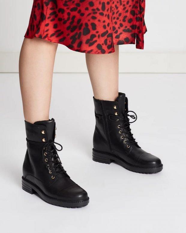 черная зимняя обувь на шнурке
