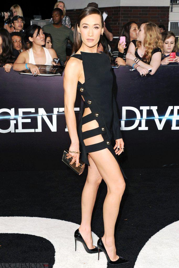 голое платье без белья короткое