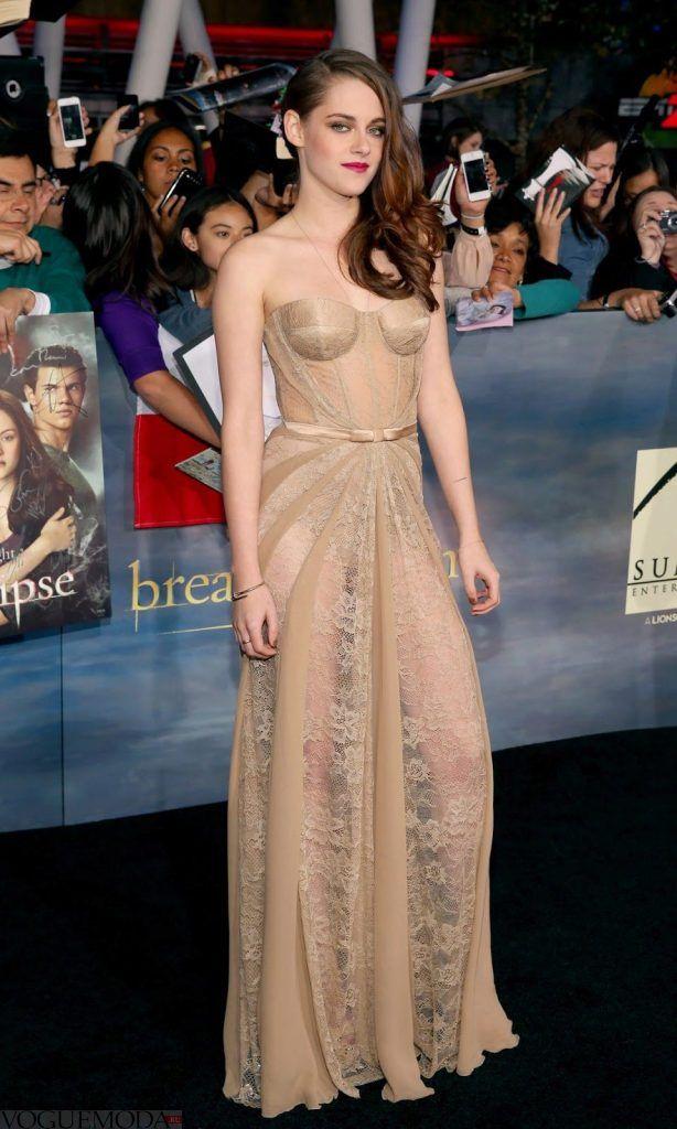 голое кружевное платье бюстье