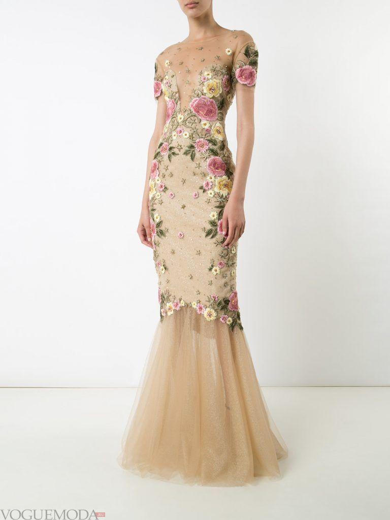 голое платье с цветами нюдовое