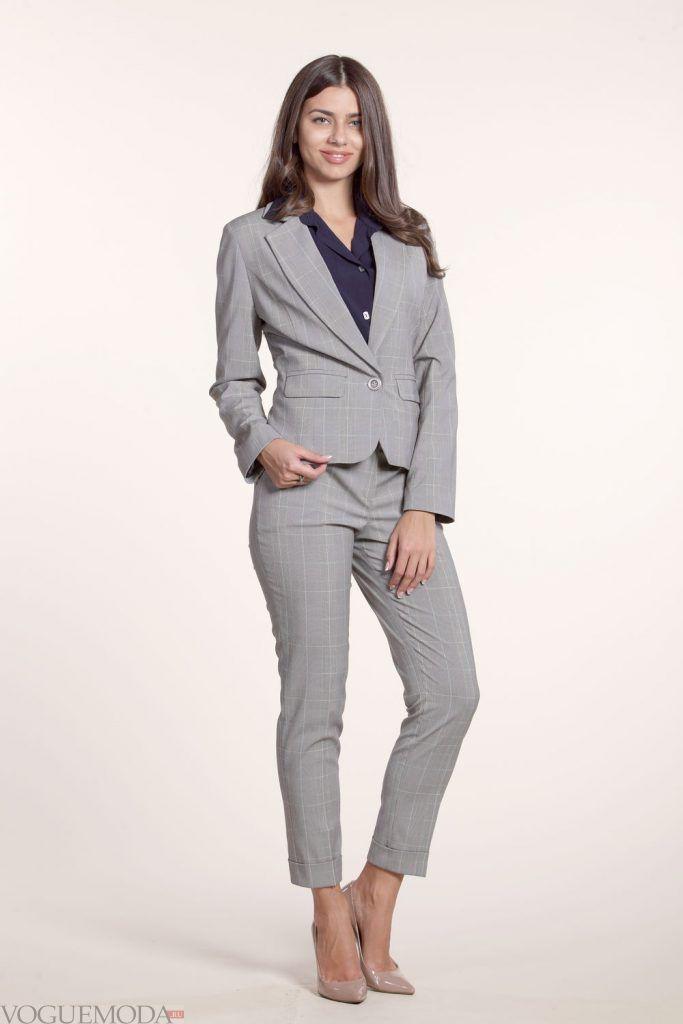 костюм с бриджами серый