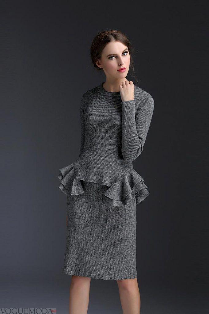 женский костюм серый