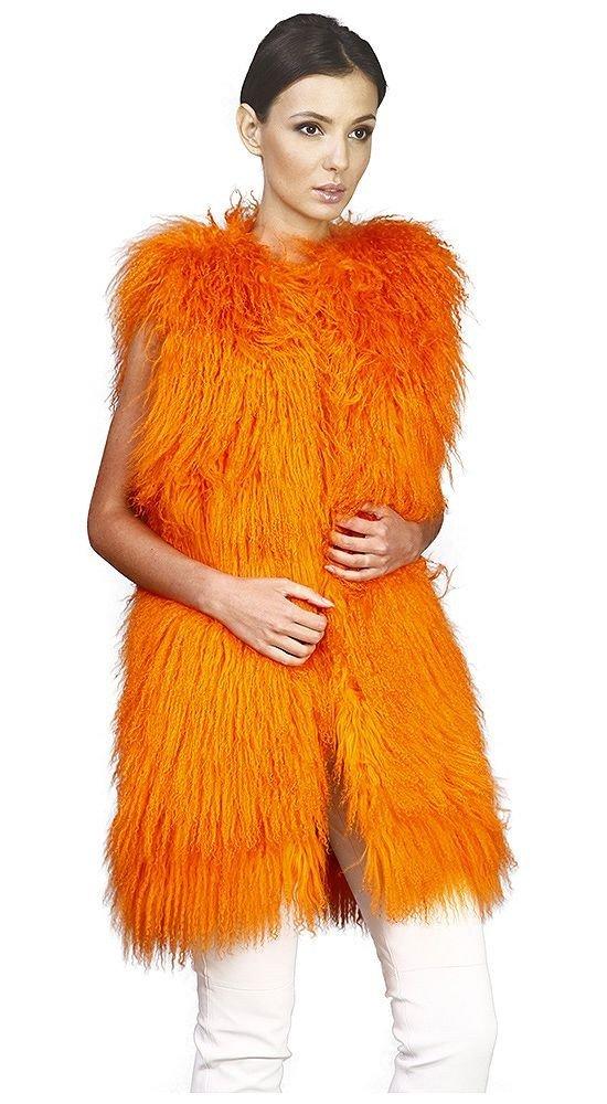 объемный меховой жилет оранжевый