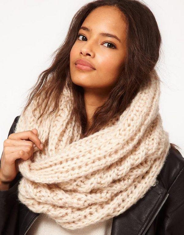 шарф-хомут телесный