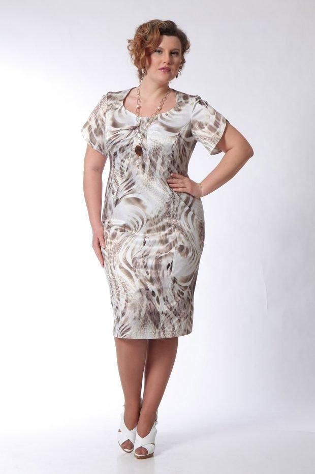 платье для полных женщин с принтом