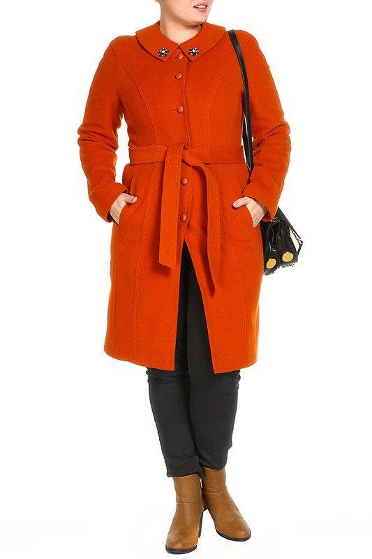 модное пальто для полных яркое