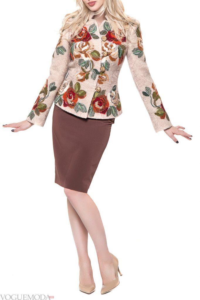 каждодневный образ с пиджаком с орнаментом