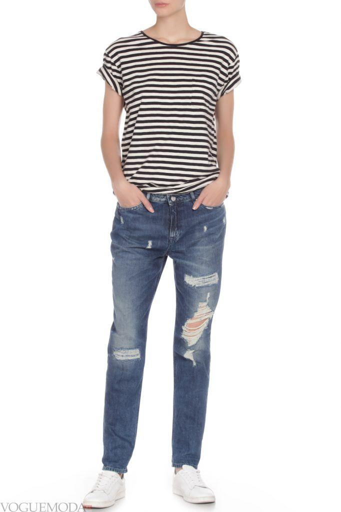 каждодневный образ с синими джинсами