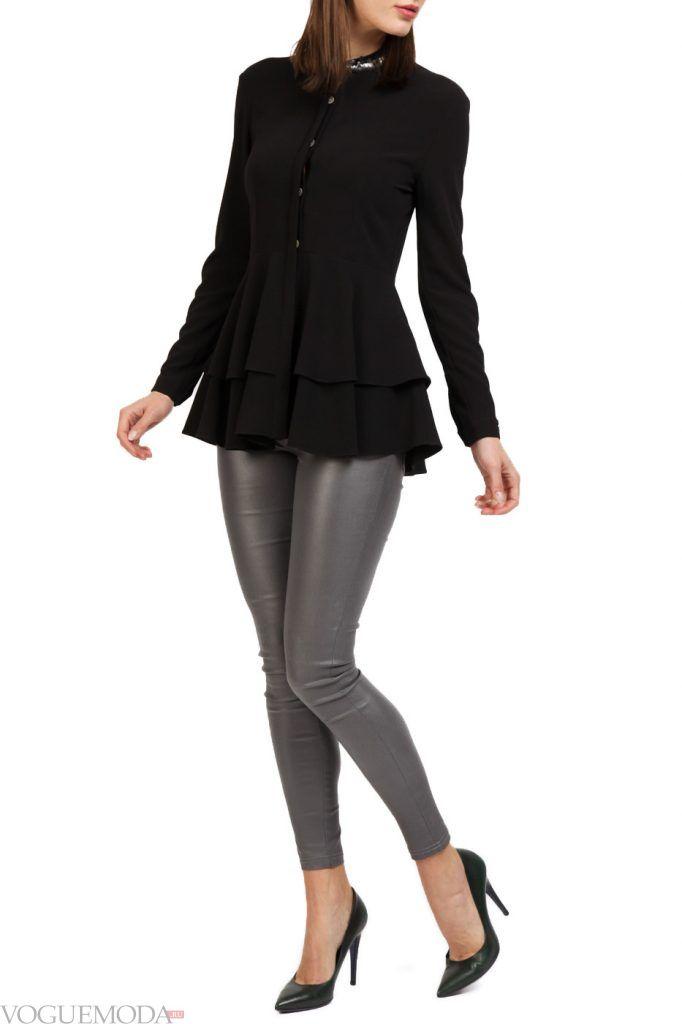 каждодневный образ с черной блузкой