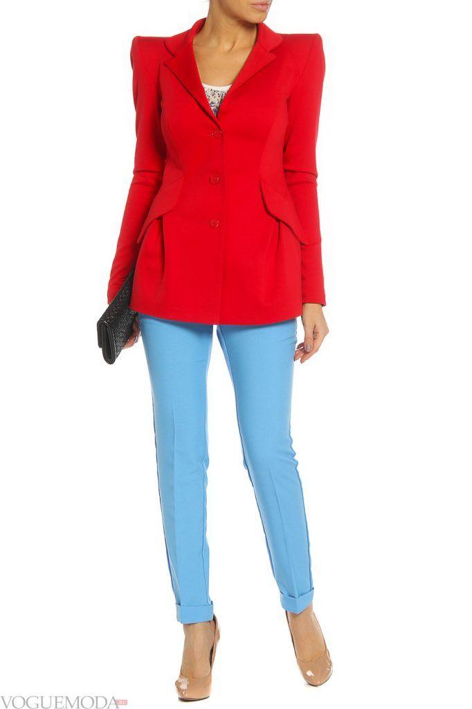 образ на каждый день с красным пиджаком