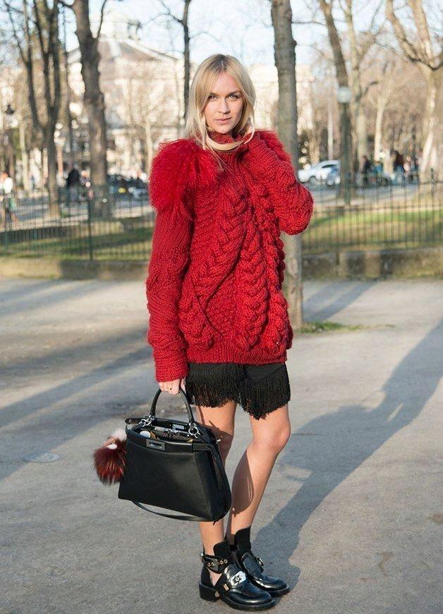свитер крупной вязки красный
