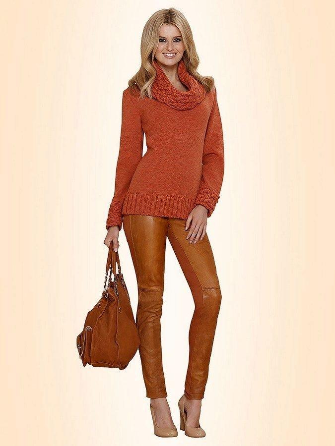 модный свитер цветной