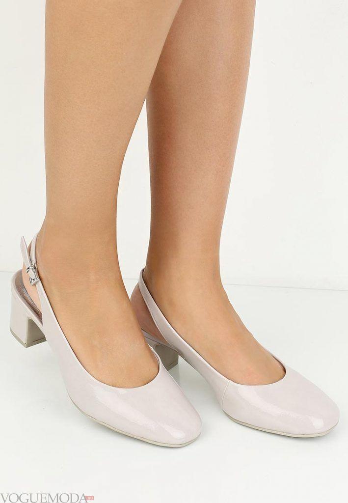 туфли на низком каблуке светлые