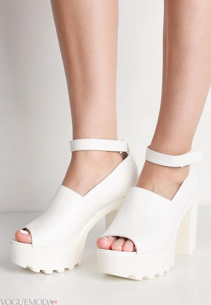туфли на толстом каблуке белые