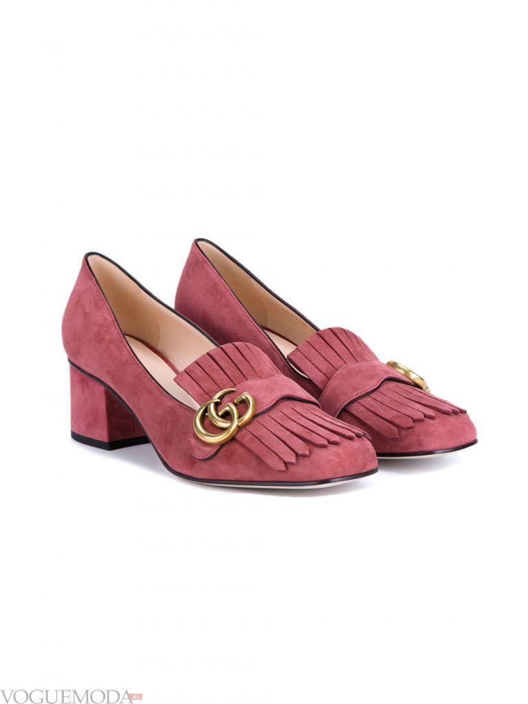 туфли лоферы с бахромой на низком каблуке