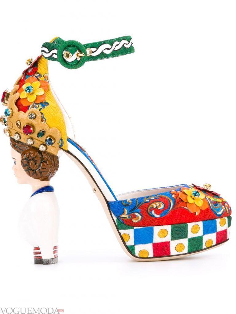 туфли со скульптурным каблуком цветные