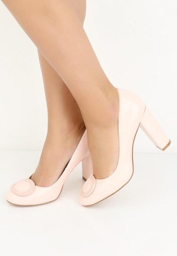 модные туфли светлые на каблуке