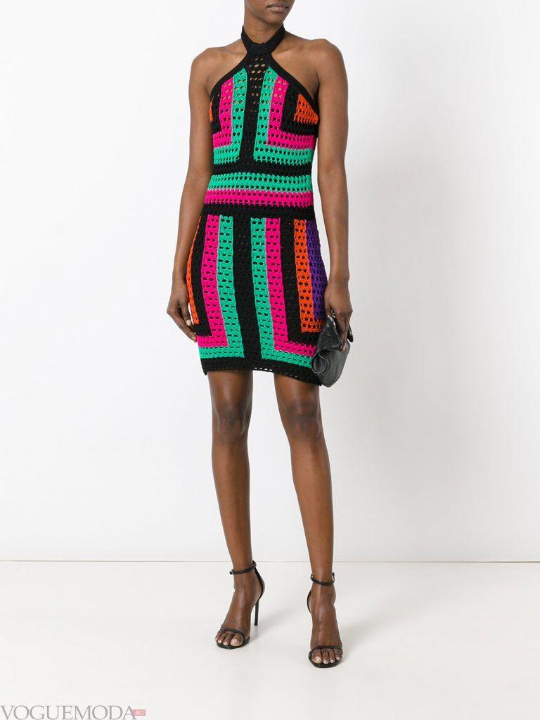 вязаное яркое платье новинка