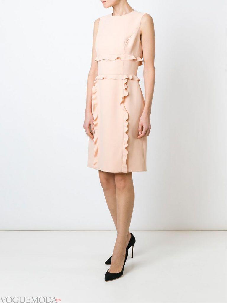 кожаное платье с рюшами новинка