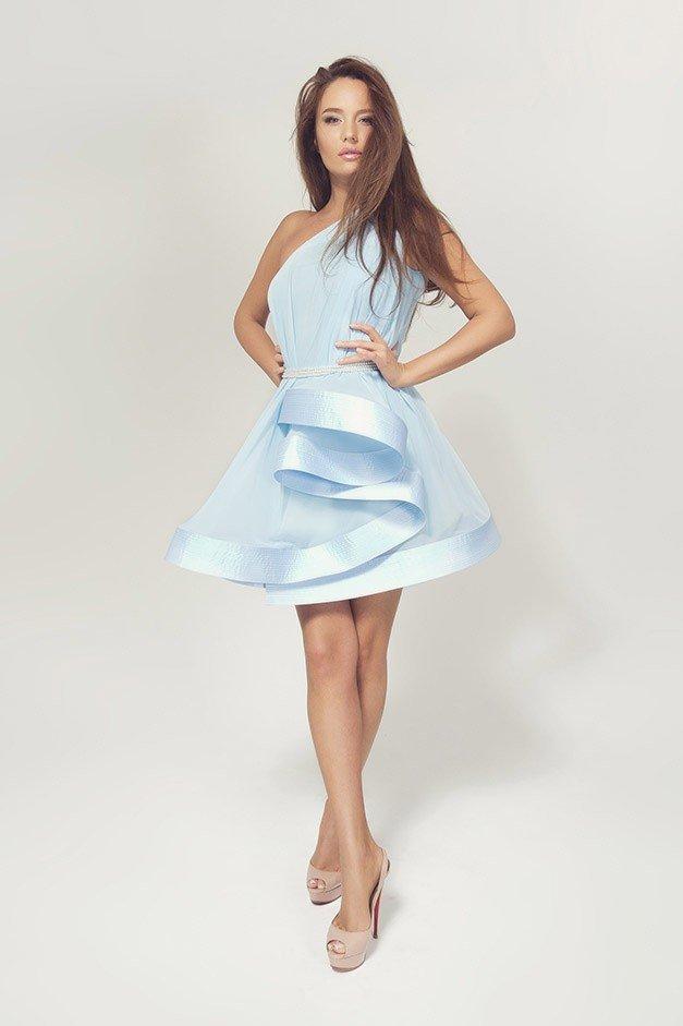 красивое платье на выпускной голубое
