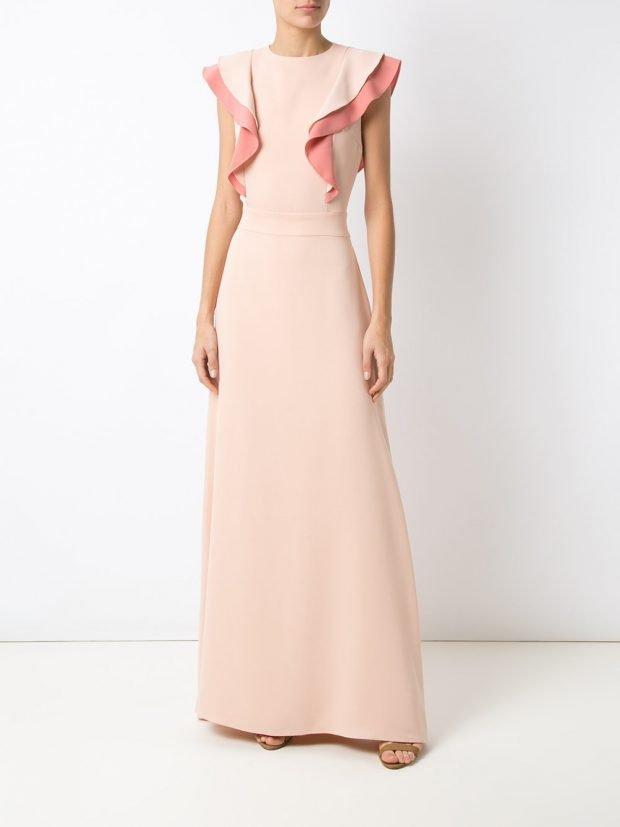 нежно-розовое с рюшей длинное