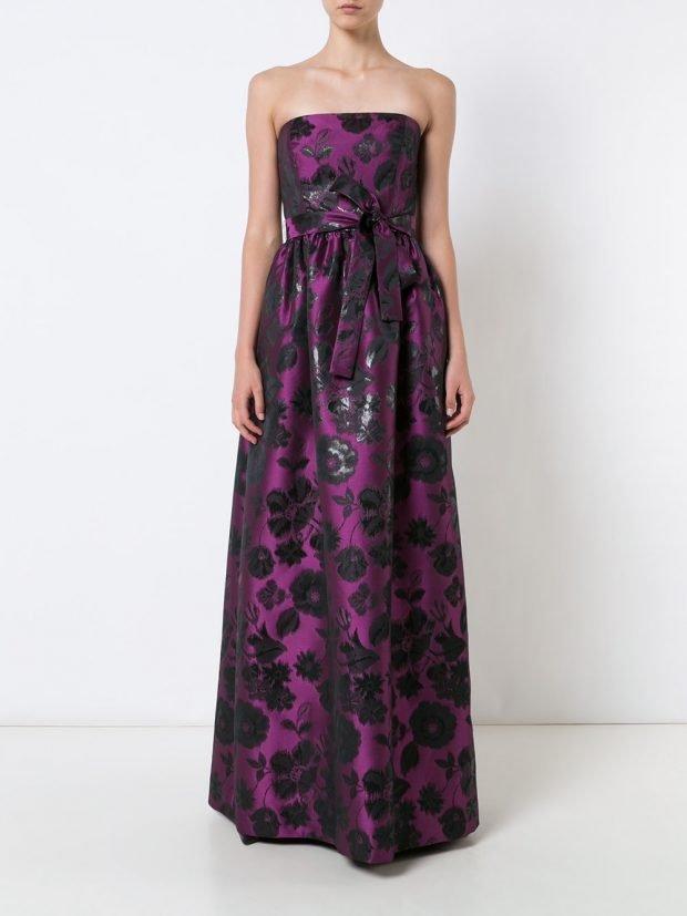 платья на выпускной 2021: фиолетовое с цветами открытые плечи