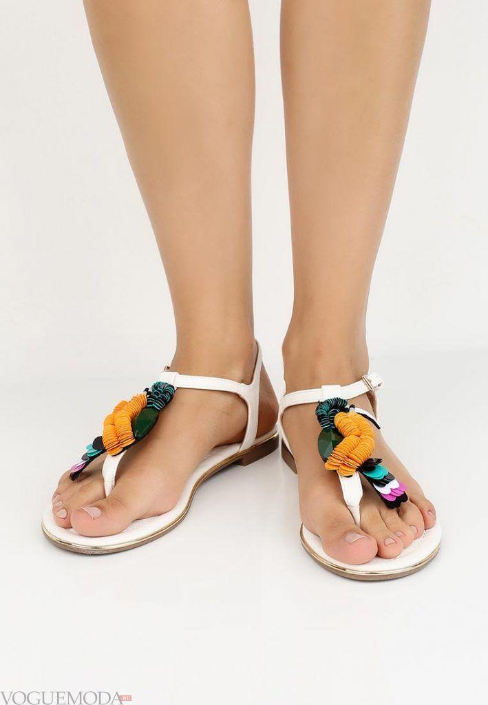 пляжная обувь с цветочками