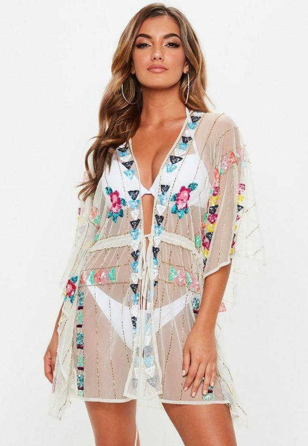 Пляжная мода 2019: прозрачный костюм