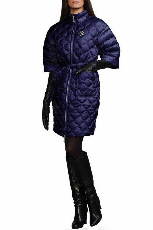 темно-синий пуховик с укороченными рукавами