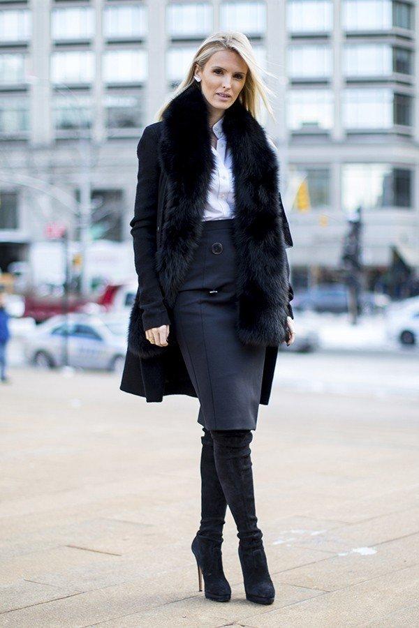 зимние ботфорты на каблуке черные