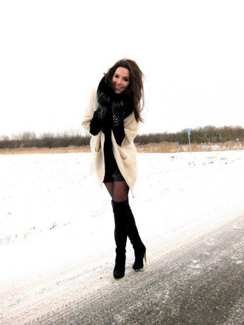 зимние ботфорты на каблуке темные