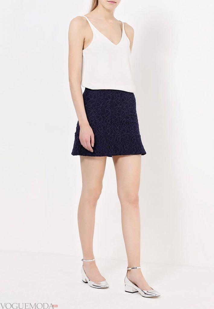 короткая гипюровая юбка темная