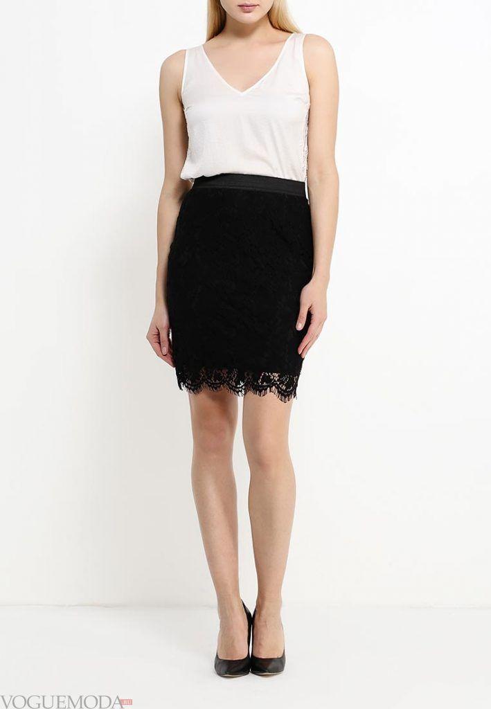 короткая гипюровая юбка черная