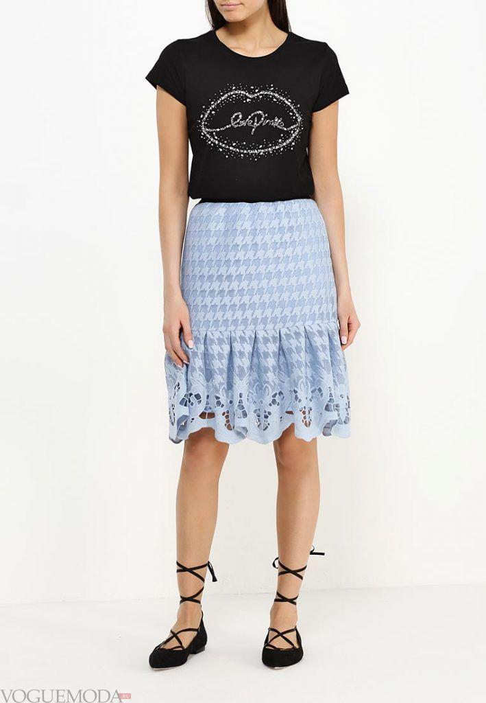 юбка с гипюровыми вставками яркая