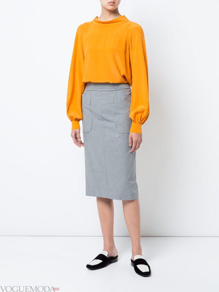 с чем носить серую юбку: классическая с блузой