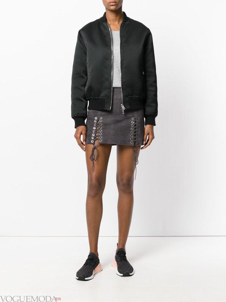 серая мини юбка с декором