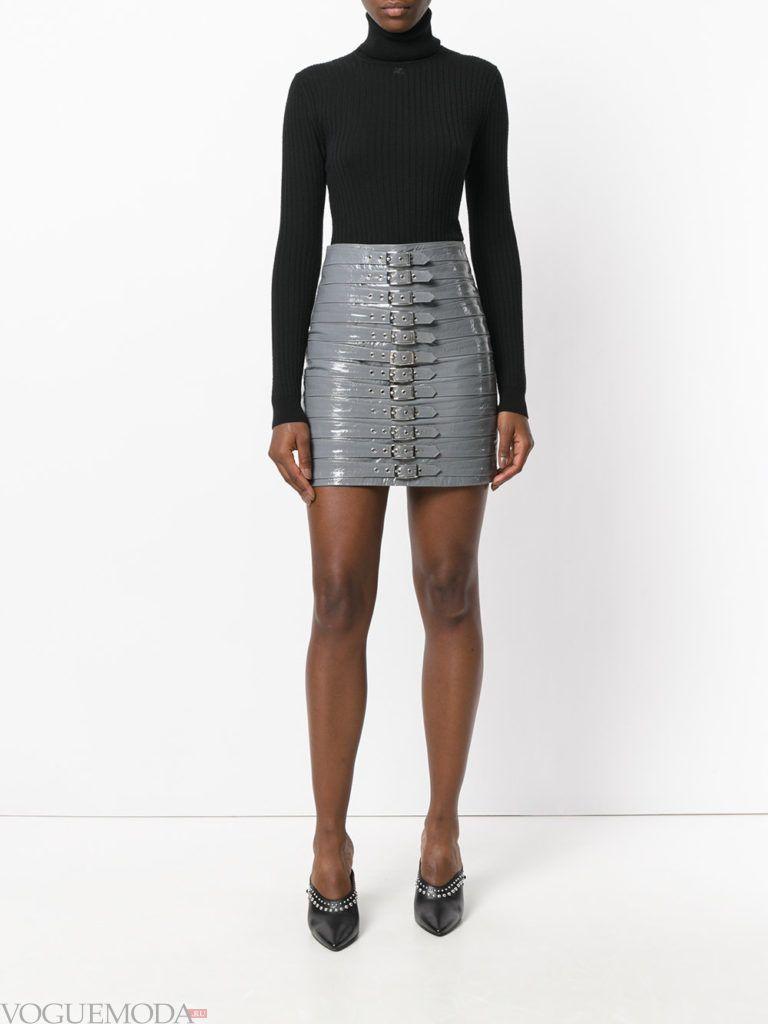 серая мини юбка кожаная