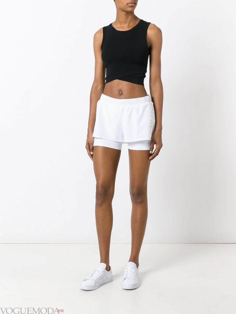спортивные шорты белые