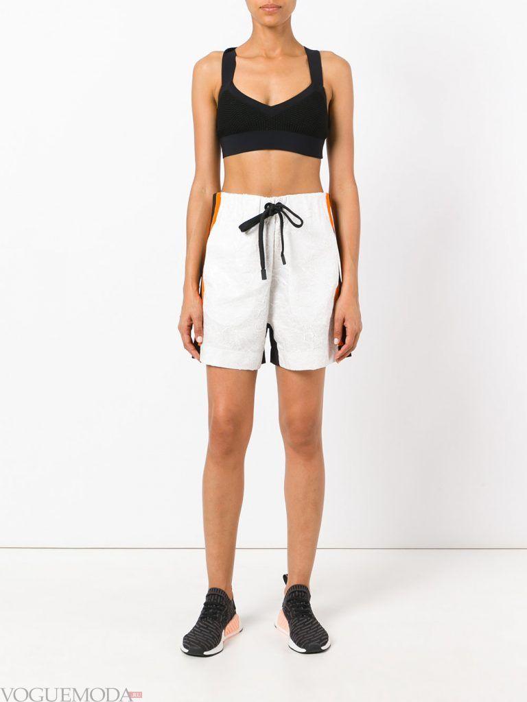 спортивные шорты длинные