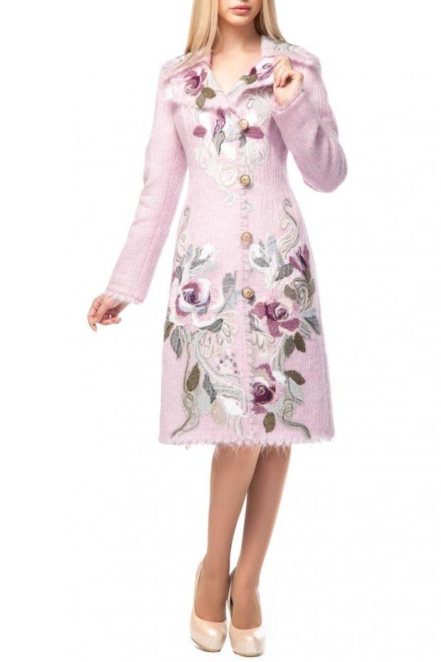 модные образы весна: пальто с узором