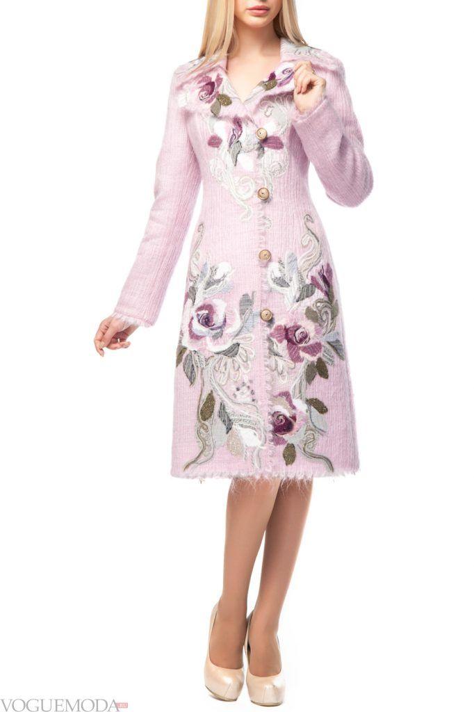 стильное пальто с узором