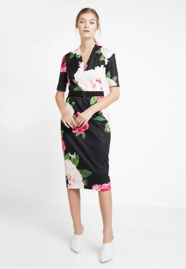 стильные образы весна-лето: платье миди с принтом