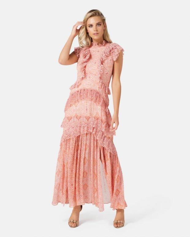 коралловое платье с рюшами без рукавов
