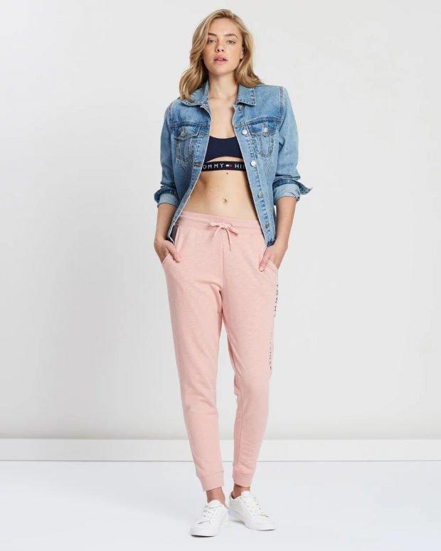 образ с джинсовой курткой