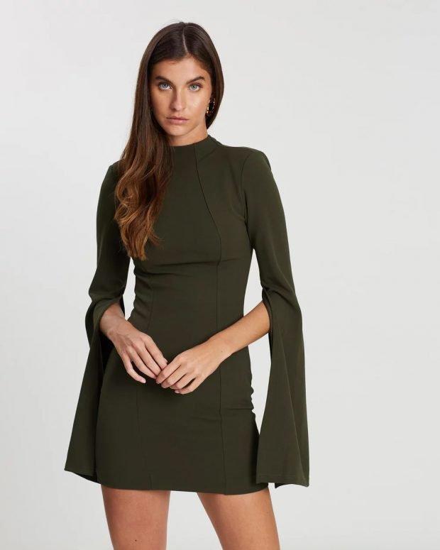 платье темно-зеленое рукава висячие
