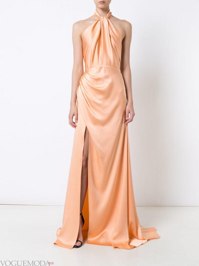 длинное выпускное платье с разрезом персиковое