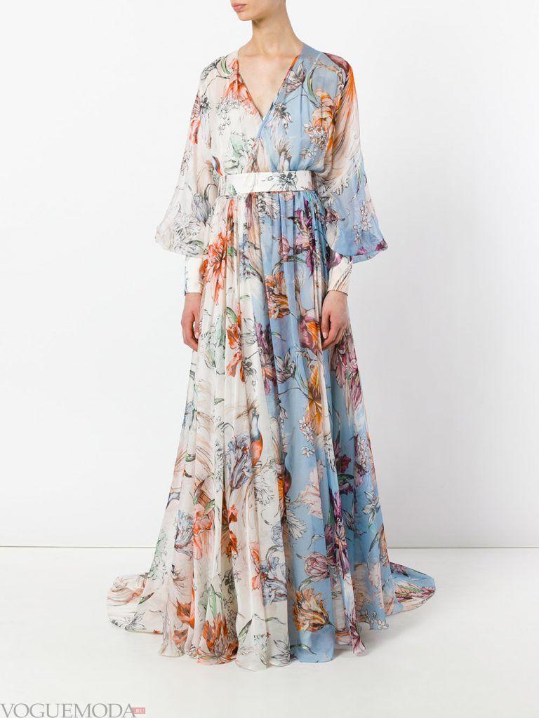 длинное выпускное платье легкое с принтом